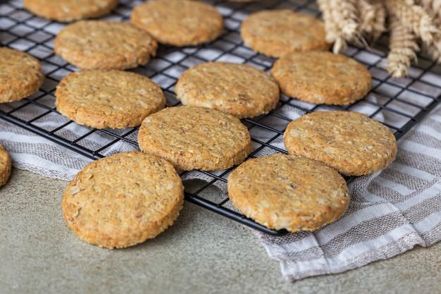 Galletas de avena con semillas de cereales y nueces galletas veganas saludables