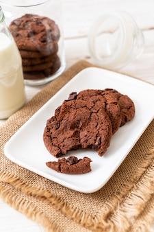 Galletas de chocolate con chips de chocolate
