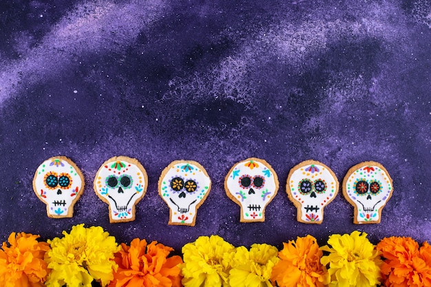Galletas del día de muertos en forma de calavera de azúcar