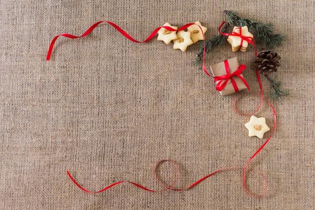 Galletas estrella con caja de regalo.
