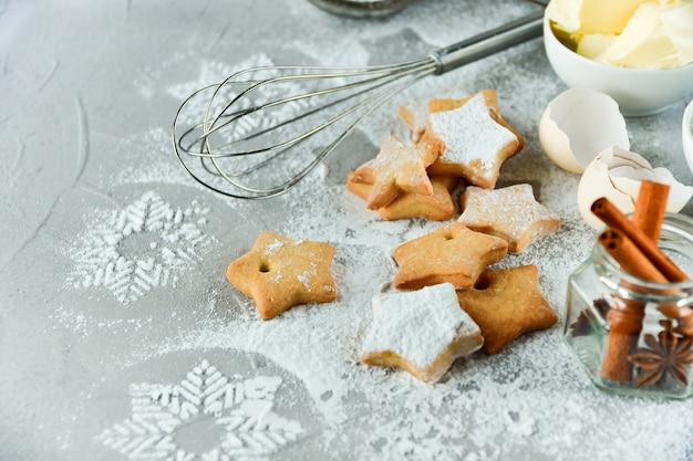 Galletas navideñas en forma de estrellas