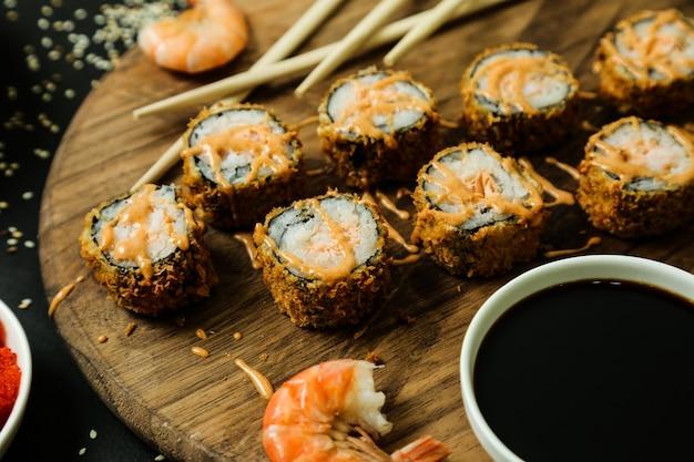 Gambas tempura arroz pescado jengibre wasabi sésamo