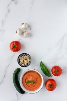 Gazpacho típico español casero. sopa de tomate