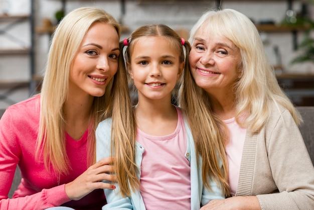 Generación de mujeres que pasan tiempo juntas