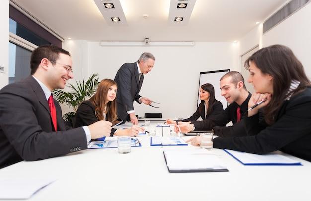 Gente de negocios en el trabajo