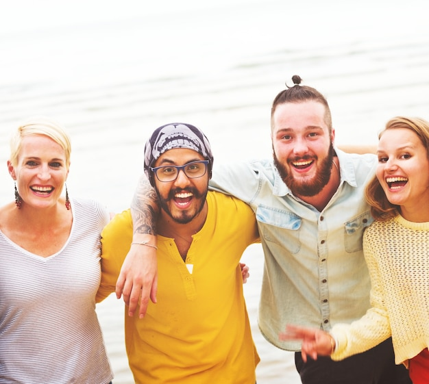 Gente de vacaciones feliz amistad estilo de vida adolescentes