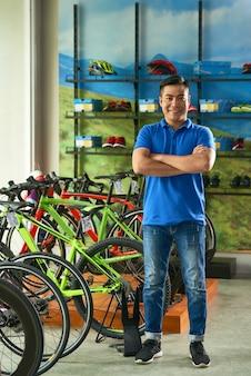 Gerente de la tienda de bicicletas