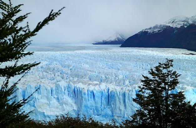 Glaciar perito moreno en el parque nacional los glaciares, patagonia, argentina