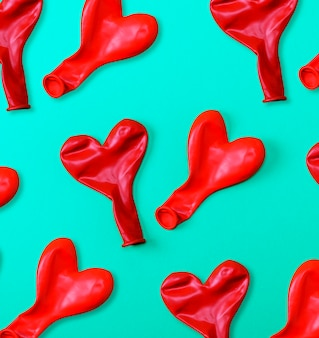 Globos de goma roja