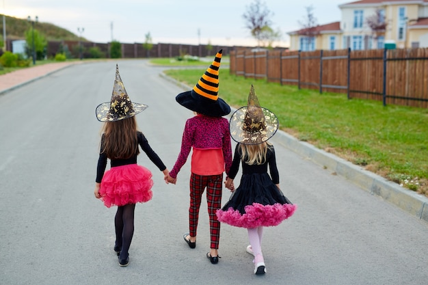 A por golosinas en halloween