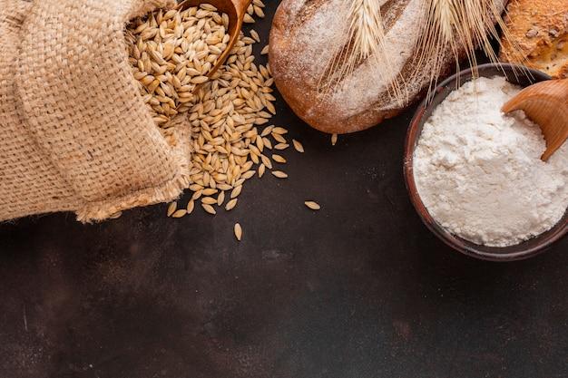 Golpe de harina con semillas de trigo