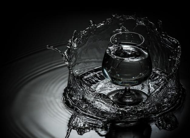 Gotas de agua cayendo
