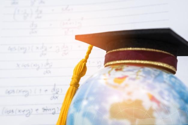 Graduado o graduación universitaria estudio internacional conceptual