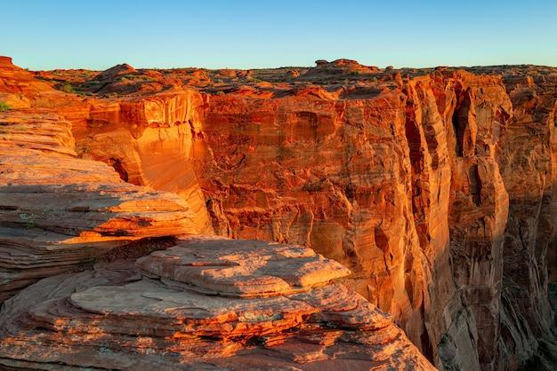 Gran cañón glen canyon arizona red rock canyon road paisaje panorámico camino de montaña en red rock ...