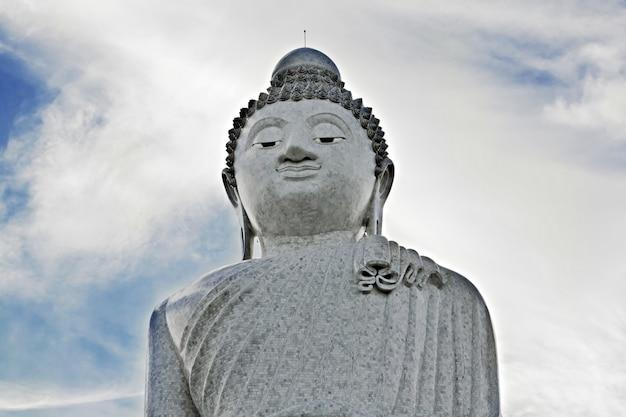 Gran estatua de buhhha