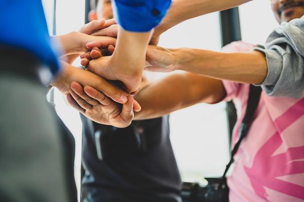 Gran grupo de empresarios se unen para la cooperación empresarial
