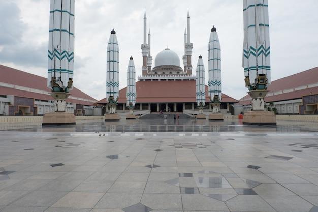 Gran mezquita de java central, indonesia