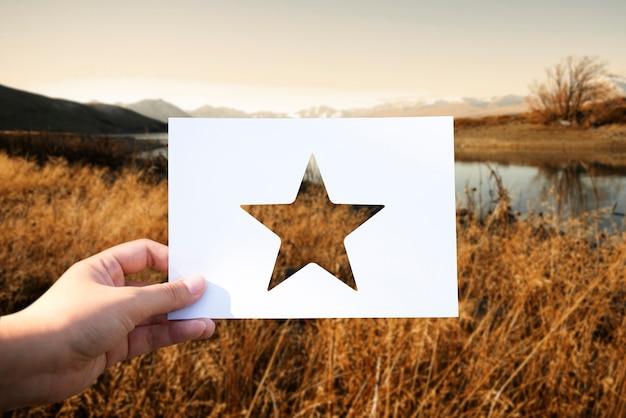 Gran recompensa de excelencia estrella de papel perforado