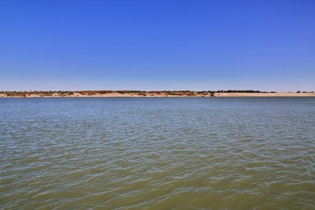 El gran río nilo, sudán áfrica