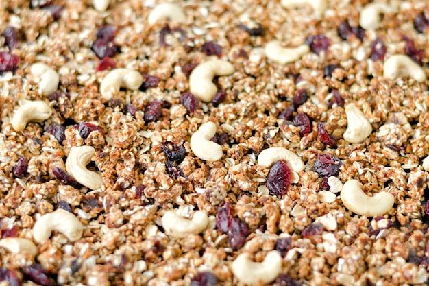 Granola con anacardos y arándanos