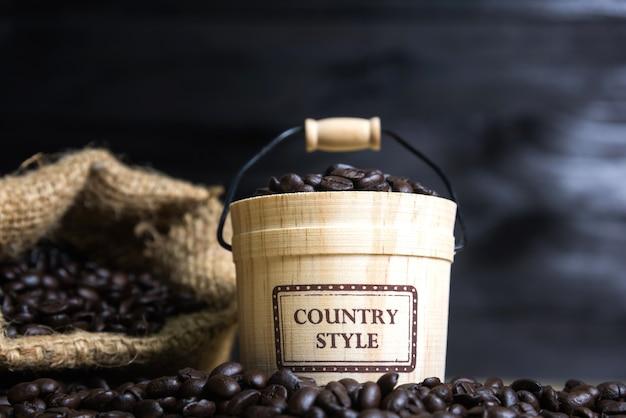 Granos de café con barriles