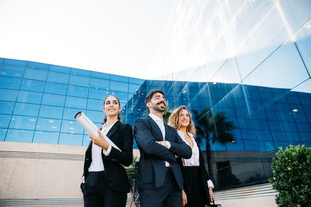 Grupo de arquitectos smart
