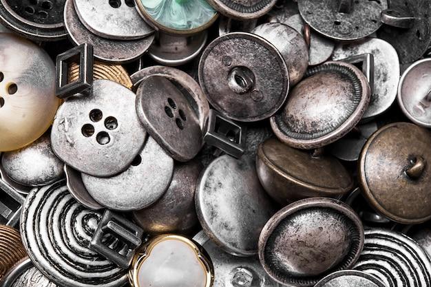 Grupo de botones de hierro retro.