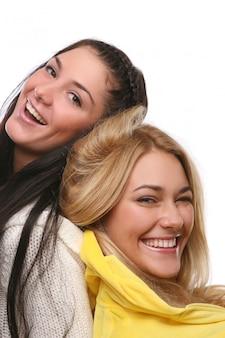 Un grupo de chicas jovenes y hermosas