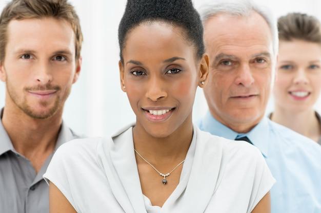 Grupo empresarial diverso