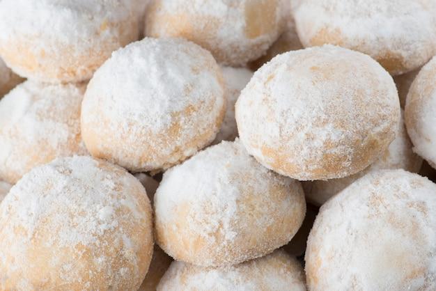 Grupo de galletas sweet eid con azúcar