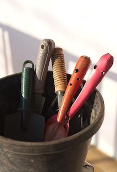 Grupo de herramientas de jardineria