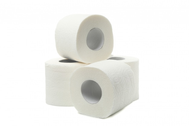 Grupo de papel higiénico aislado