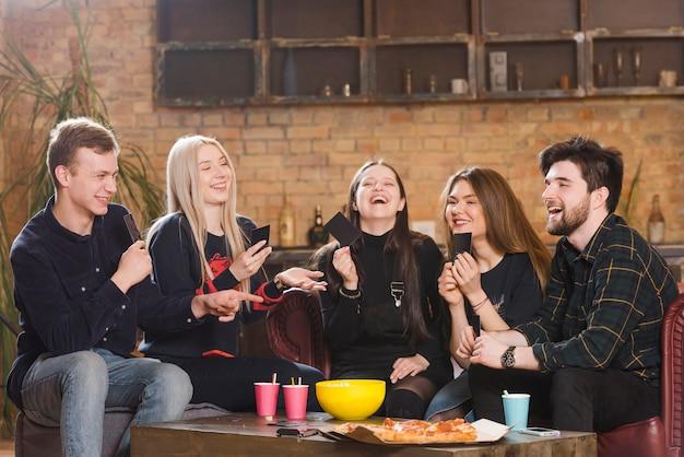 Grupo de personas en una fiesta