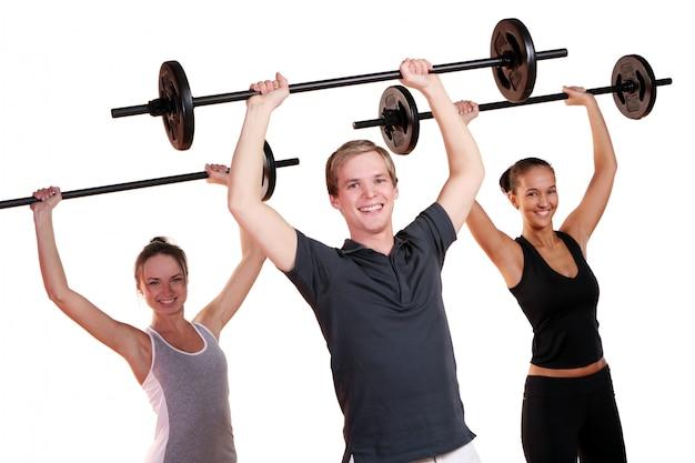 Grupo de personas haciendo ejercicios de fitness