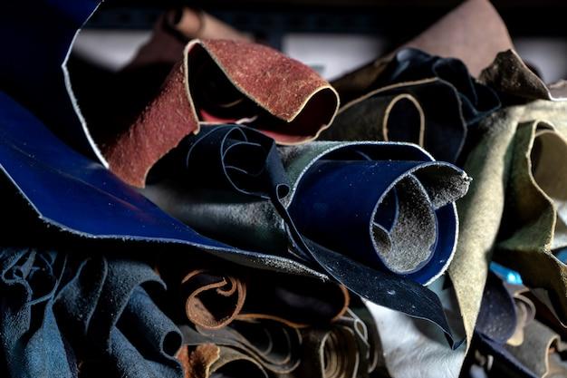 Grupo de rollo de color de cuero en stock de material