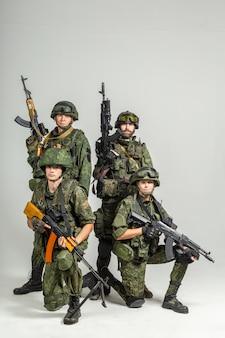 Grupo de soldados de pared