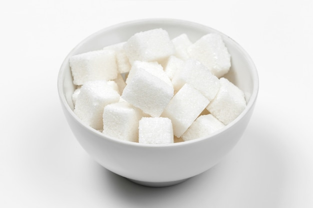 Grupo de terrones de azúcar blanca refinada