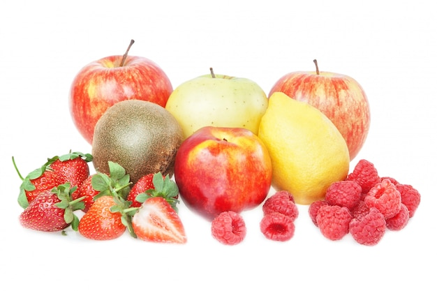 El grupo de vitaminas de frutas tropicales: durazno, manzana, fresa, frambuesa, limón, kiwi.