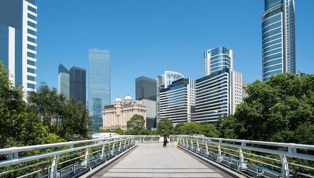Guangzhou financial district plaza architectural landscape edificio de oficinas