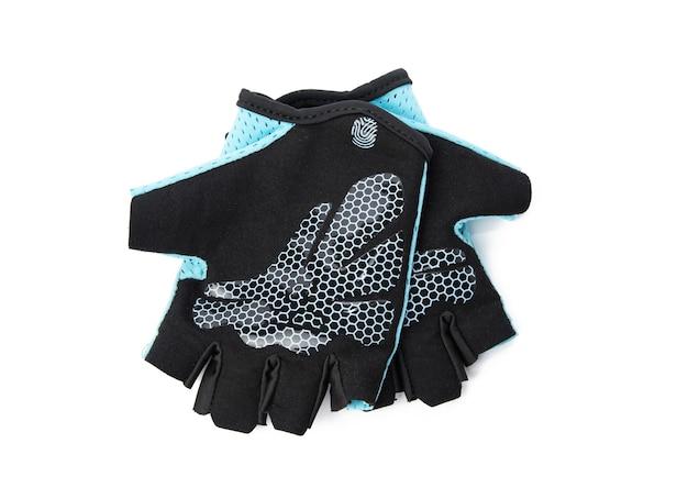 Guantes deportivos textiles azules para entrenamiento físico y ciclismo aislado en superficie blanca