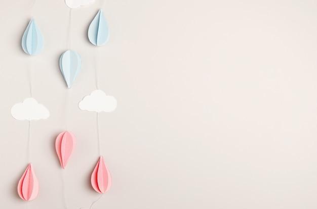 Guirnalda de papel en beige para vacaciones de niños y adultos: cumpleaños, año nuevo, recién nacido.