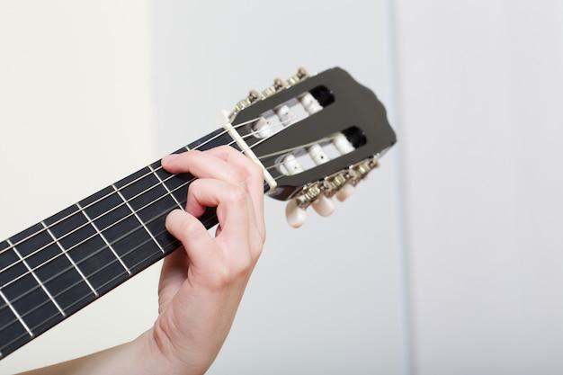 Guitarra acústica - de cerca