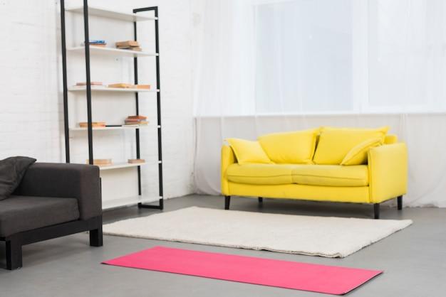 Habitación chica fitness