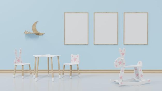 La habitación infantil simulada tiene un marco de 3 cuadros en la pared azul con una silla y un banco al frente.