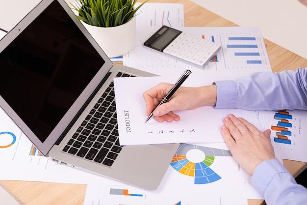 Para hacer el concepto de lista, documentos en el escritorio