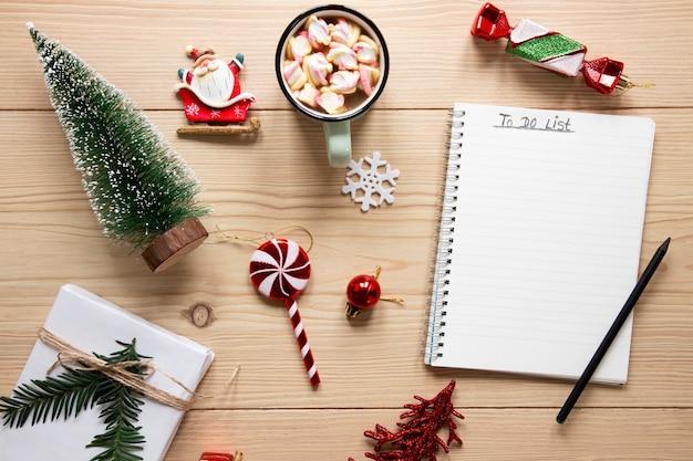 Para hacer una lista de maquetas rodeadas de decoraciones