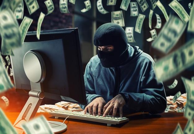 Hacker en la oficina