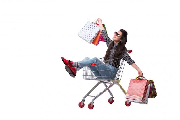 Halpper de la mujer joven después de hacer compras aislado en blanco