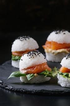 Hamburguesas de sushi de arroz