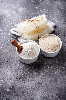 Harina de arroz sin gluten, granos y fideos